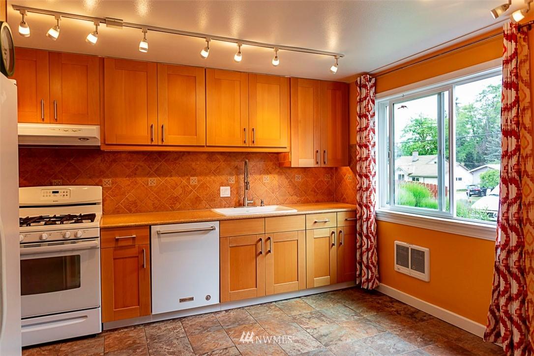 Sold Property | 14127 75 Avenue NE Kirkland, WA 98034 11
