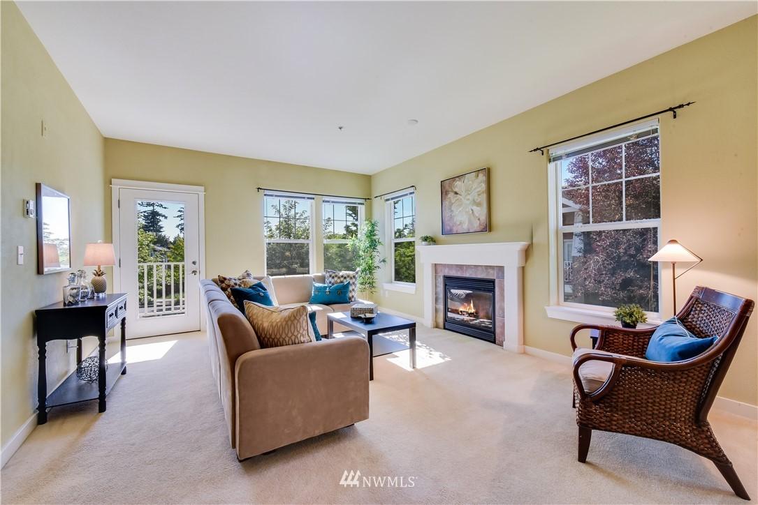 Sold Property   22621 NE Alder Crest Drive #201 Redmond, WA 98053 3
