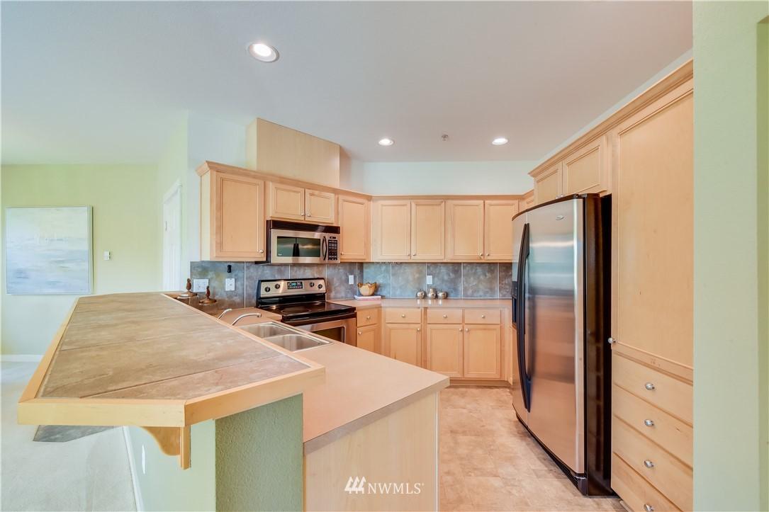 Sold Property | 22621 NE Alder Crest Drive #201 Redmond, WA 98053 6