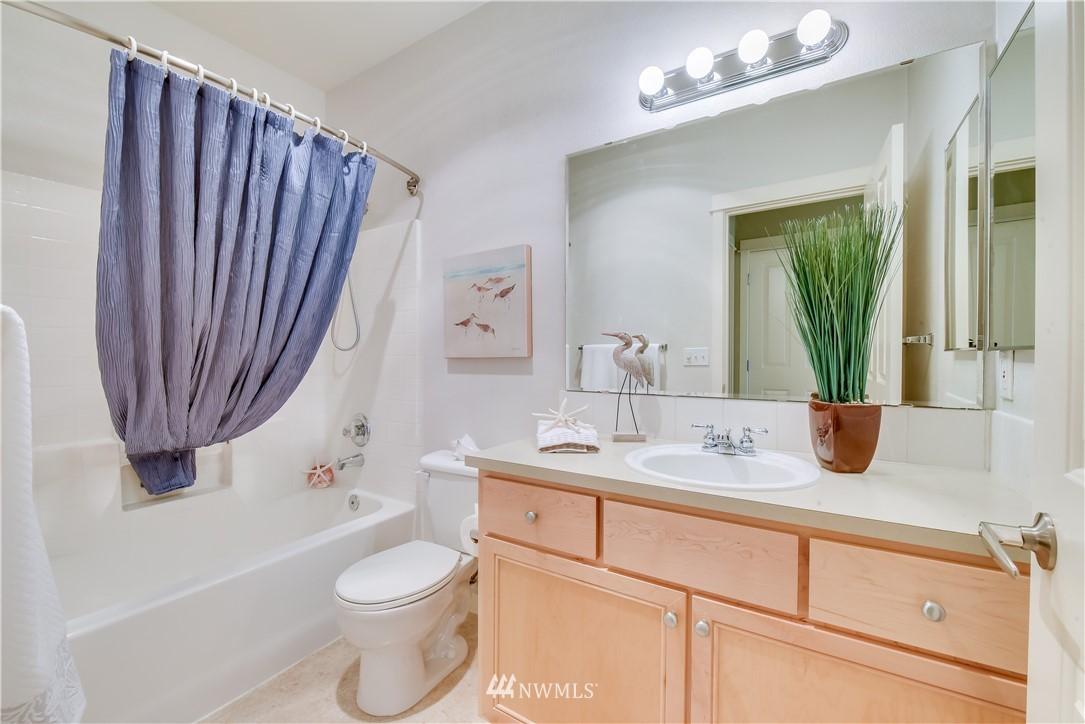 Sold Property | 22621 NE Alder Crest Drive #201 Redmond, WA 98053 12
