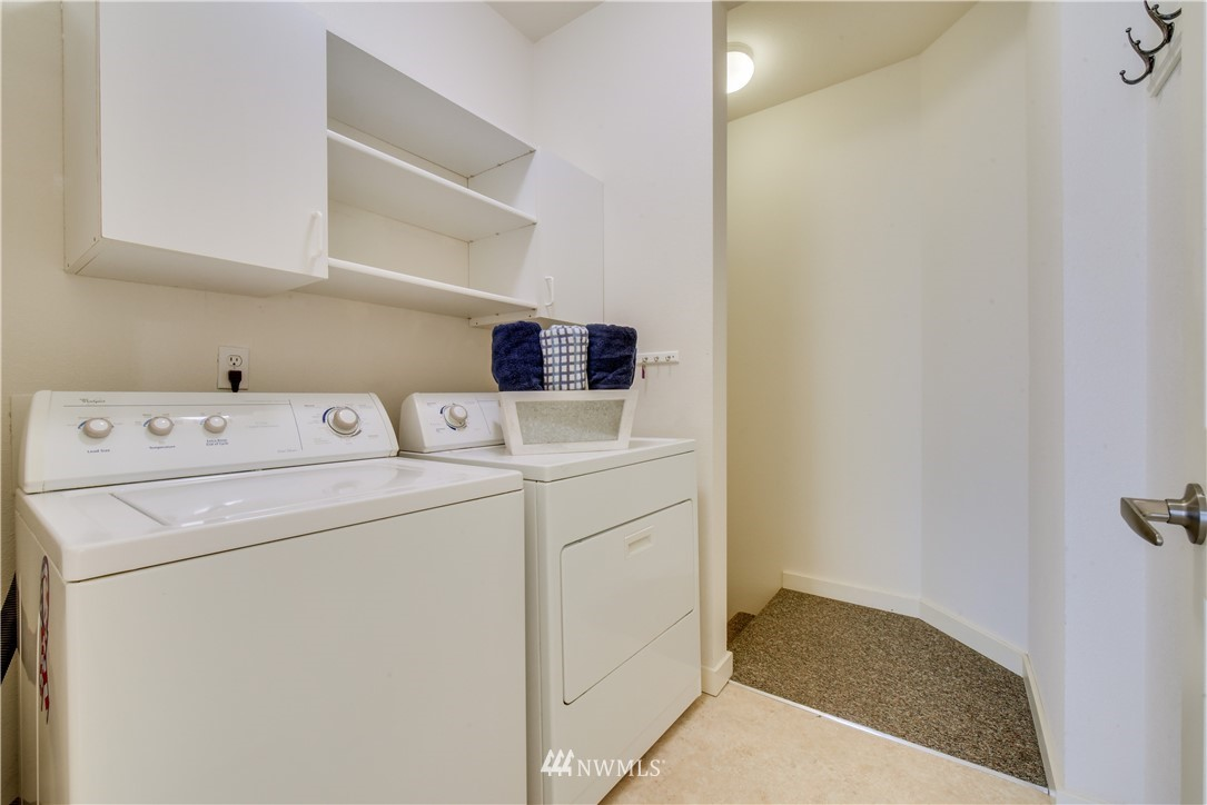 Sold Property   22621 NE Alder Crest Drive #201 Redmond, WA 98053 13