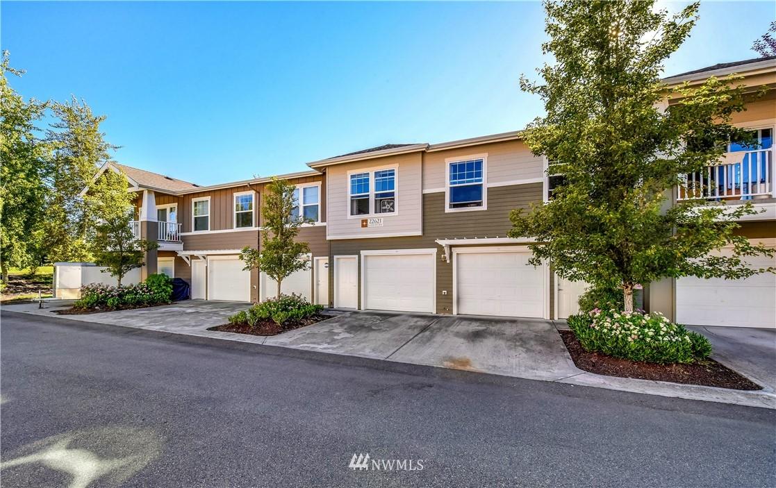Sold Property | 22621 NE Alder Crest Drive #201 Redmond, WA 98053 16