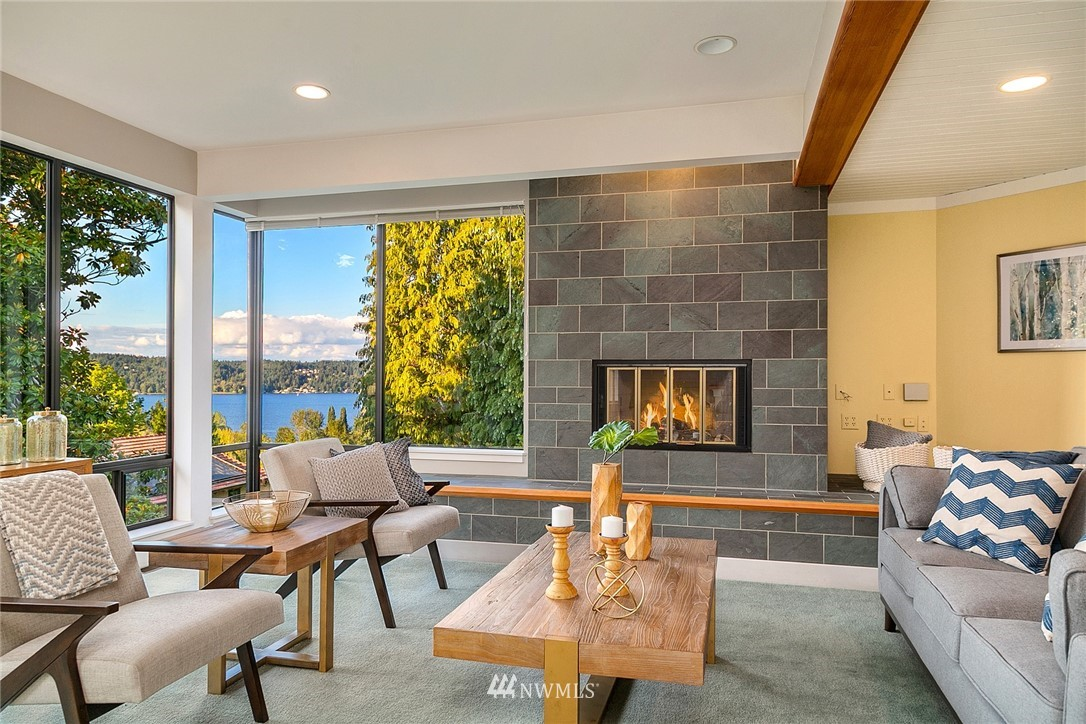 Sold Property   4232 NE 88th Street Seattle, WA 98115 10