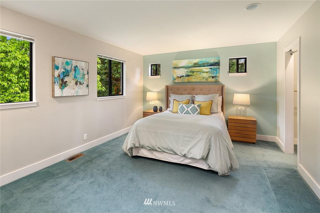 Sold Property   4232 NE 88th Street Seattle, WA 98115 15