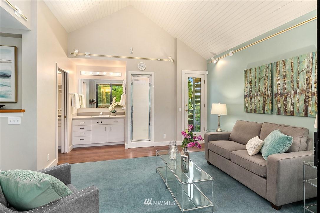 Sold Property   4232 NE 88th Street Seattle, WA 98115 17