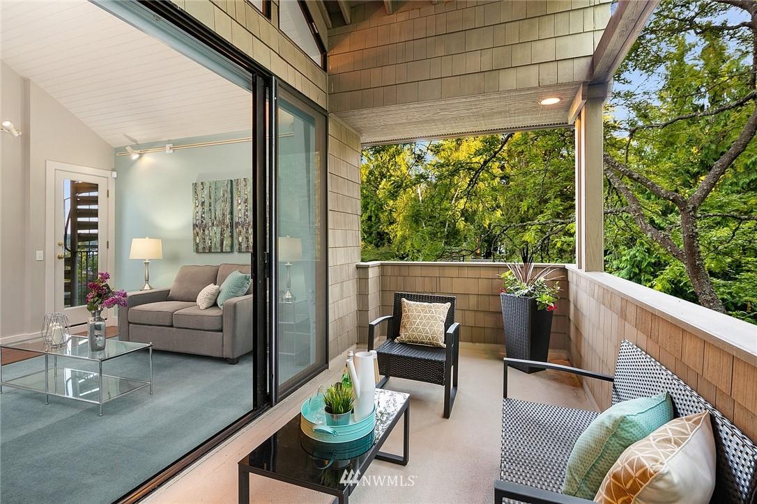 Sold Property   4232 NE 88th Street Seattle, WA 98115 19