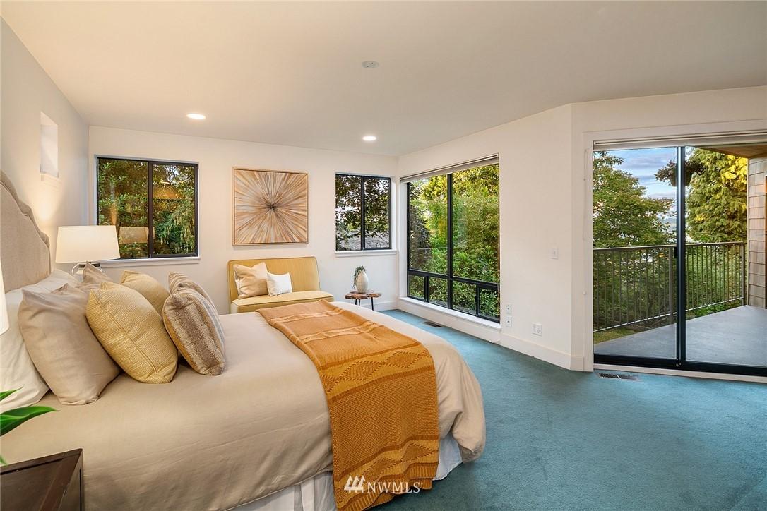 Sold Property   4232 NE 88th Street Seattle, WA 98115 16
