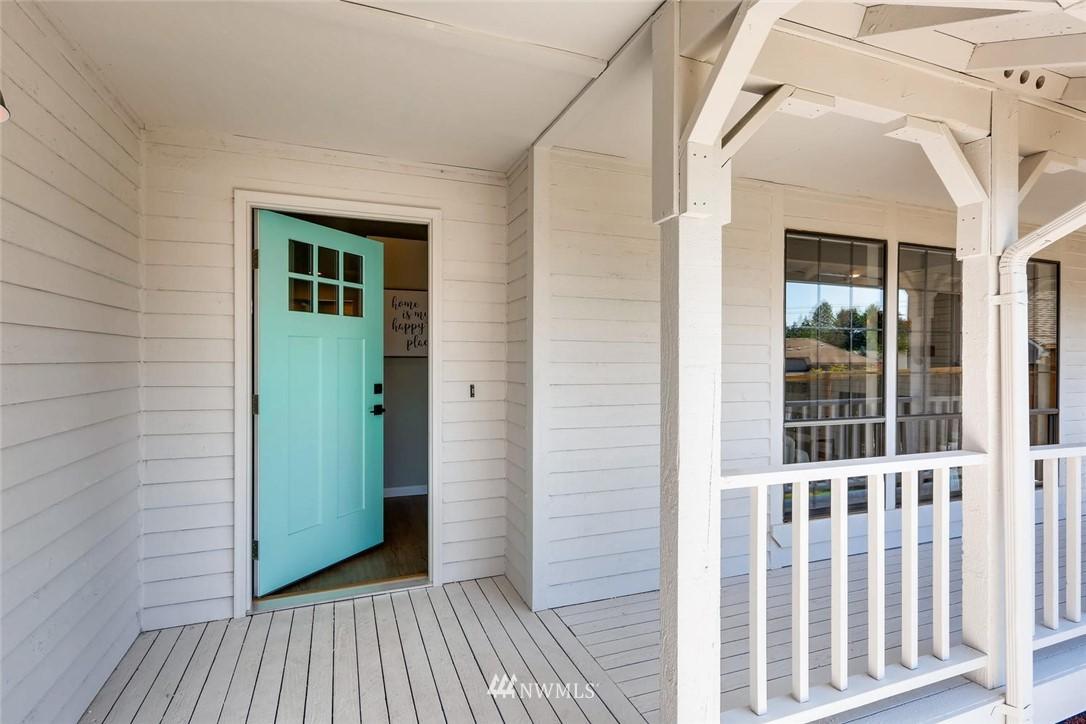 Sold Property | 19226 135th Avenue SE Renton, WA 98058 3