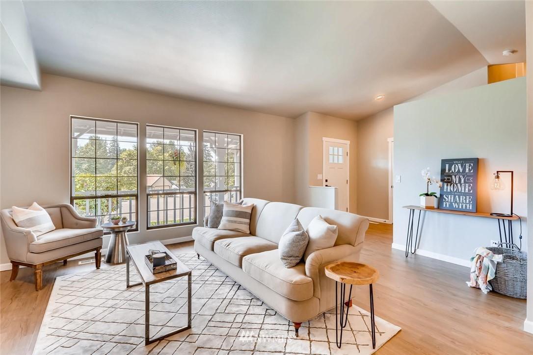 Sold Property | 19226 135th Avenue SE Renton, WA 98058 4