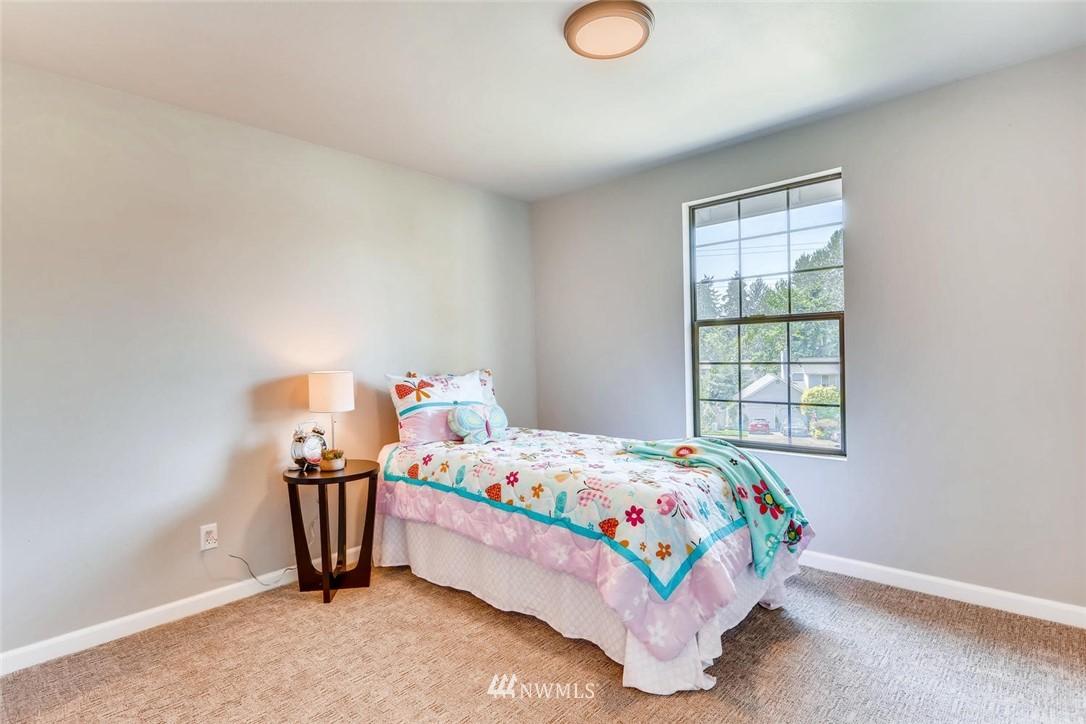 Sold Property | 19226 135th Avenue SE Renton, WA 98058 20