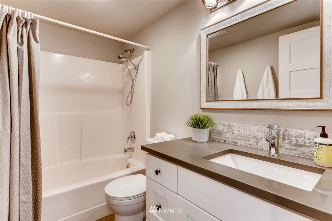 Sold Property | 19226 135th Avenue SE Renton, WA 98058 22
