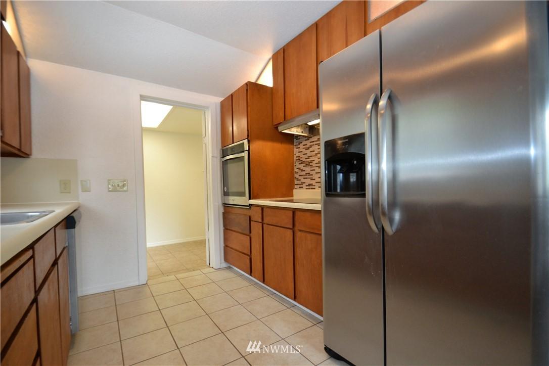 Sold Property   10235 19th Avenue SW Seattle, WA 98146 4