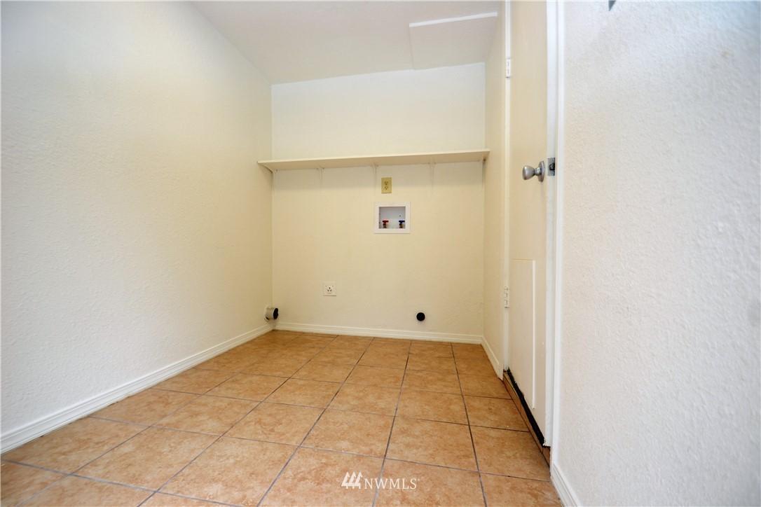 Sold Property   10235 19th Avenue SW Seattle, WA 98146 9