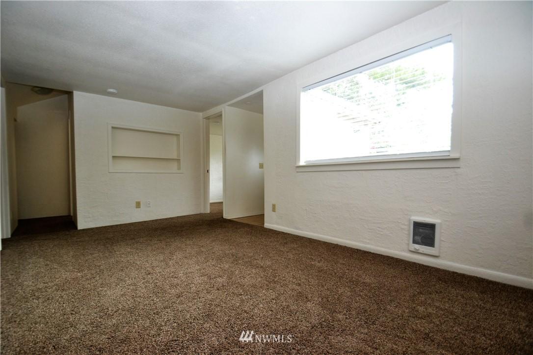 Sold Property   10235 19th Avenue SW Seattle, WA 98146 11