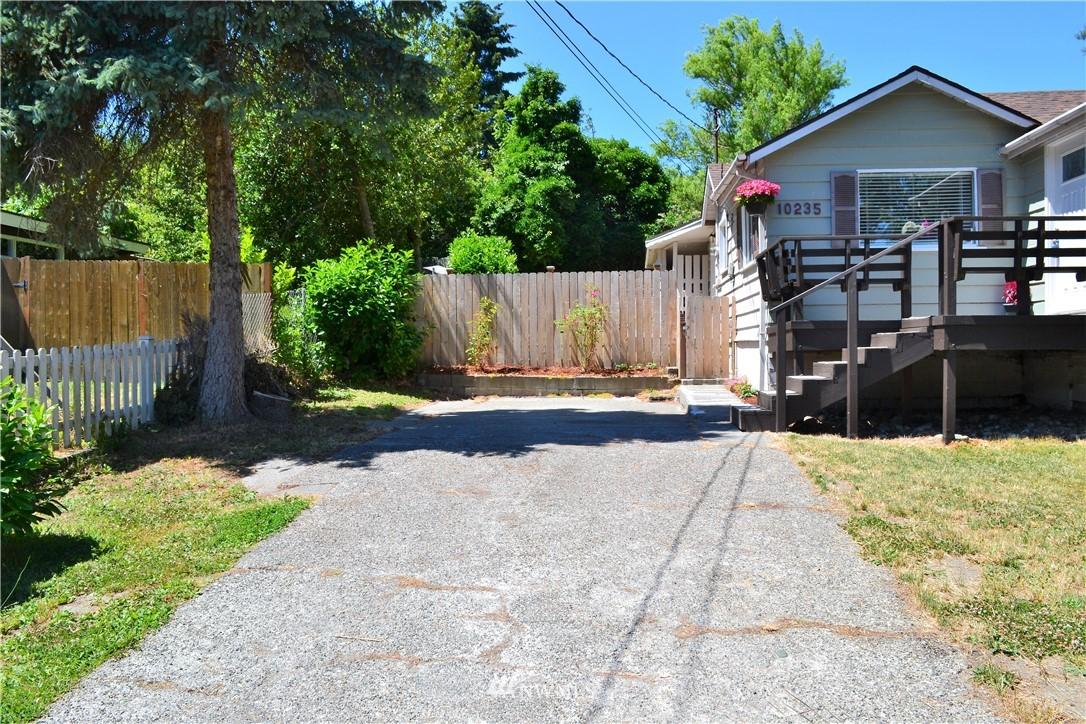 Sold Property   10235 19th Avenue SW Seattle, WA 98146 8