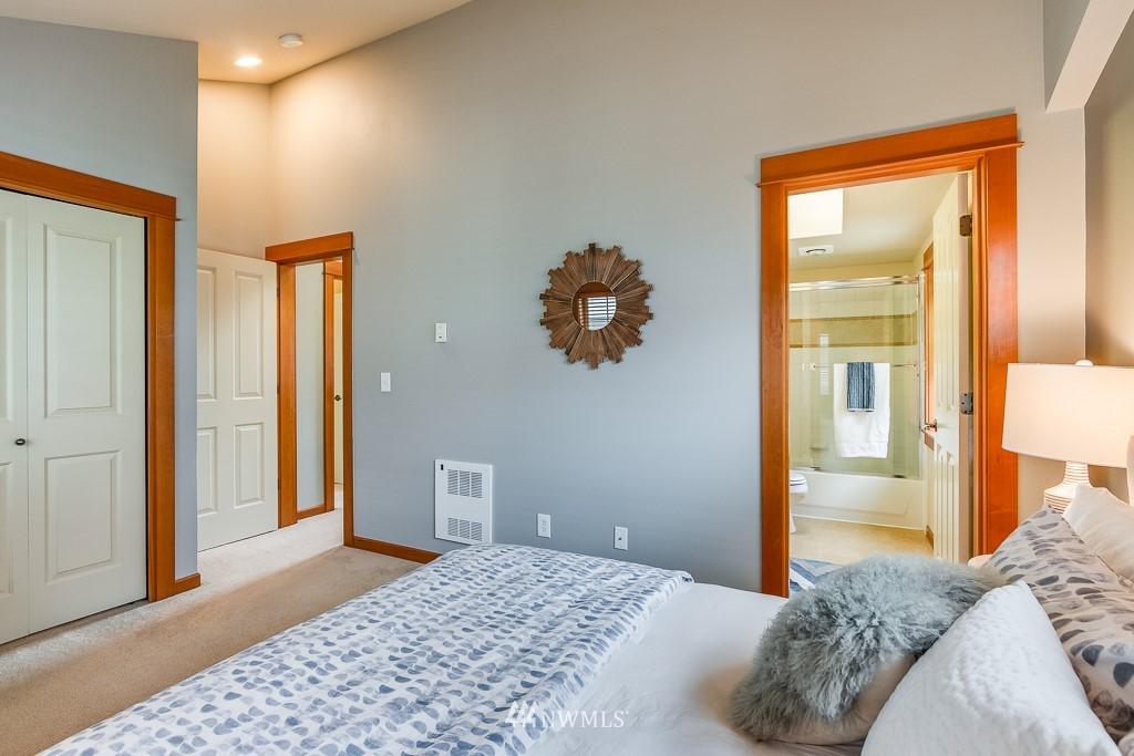 Sold Property   1532 63rd Street Seattle, WA 98107 9
