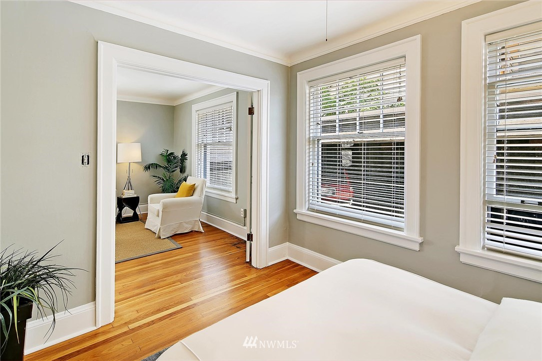 Sold Property | 321 Boylston Avenue E #102 Seattle, WA 98102 6