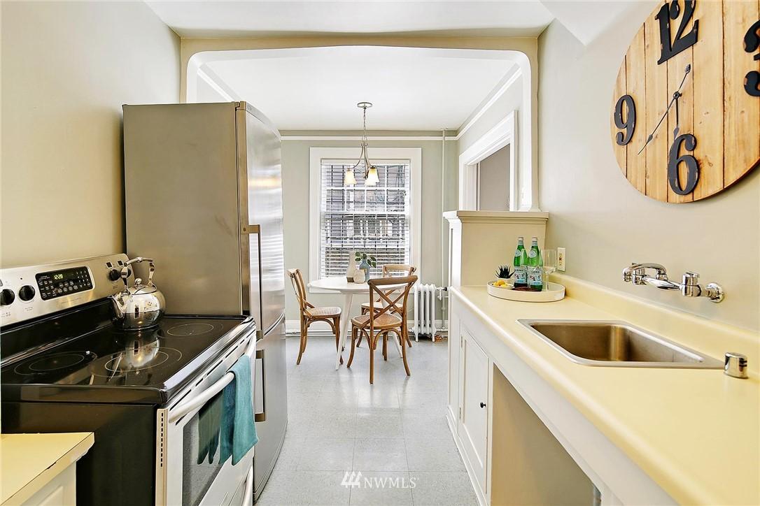 Sold Property | 321 Boylston Avenue E #102 Seattle, WA 98102 10