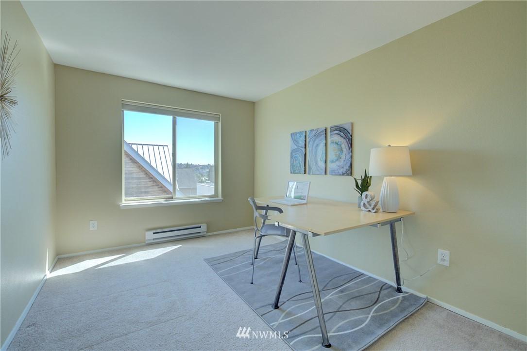 Sold Property | 4421 Greenwood Avenue N #301 Seattle, WA 98103 12