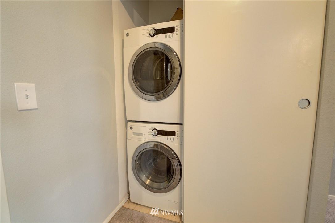 Sold Property | 4421 Greenwood Avenue N #301 Seattle, WA 98103 15