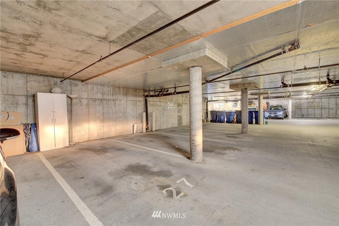 Sold Property | 4421 Greenwood Avenue N #301 Seattle, WA 98103 17