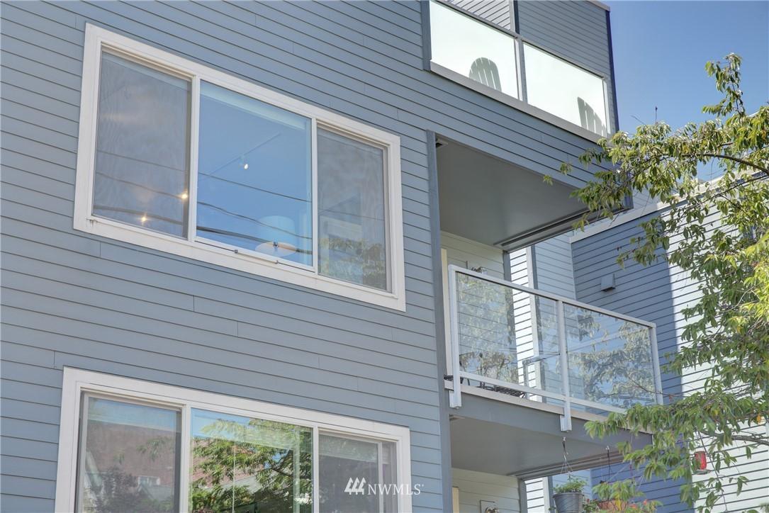 Sold Property | 4421 Greenwood Avenue N #301 Seattle, WA 98103 20