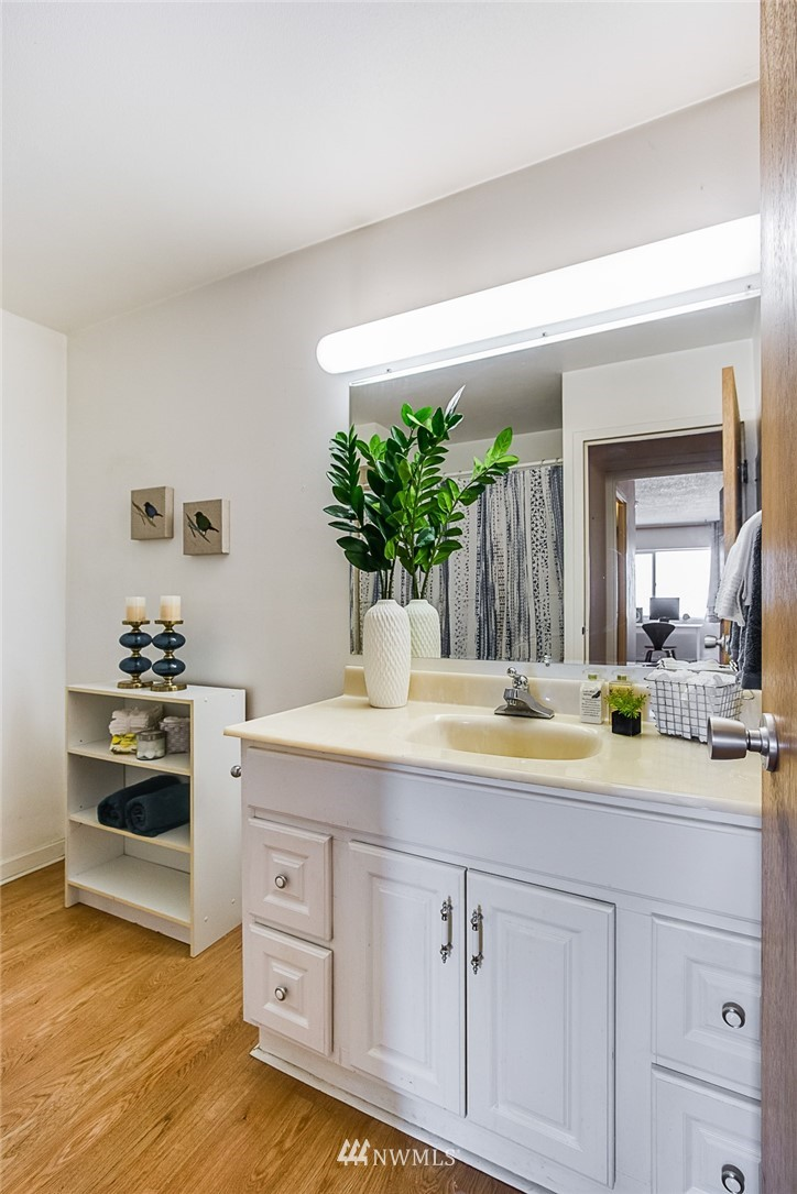 Sold Property | 308 E Republican Street #502 Seattle, WA 98102 14