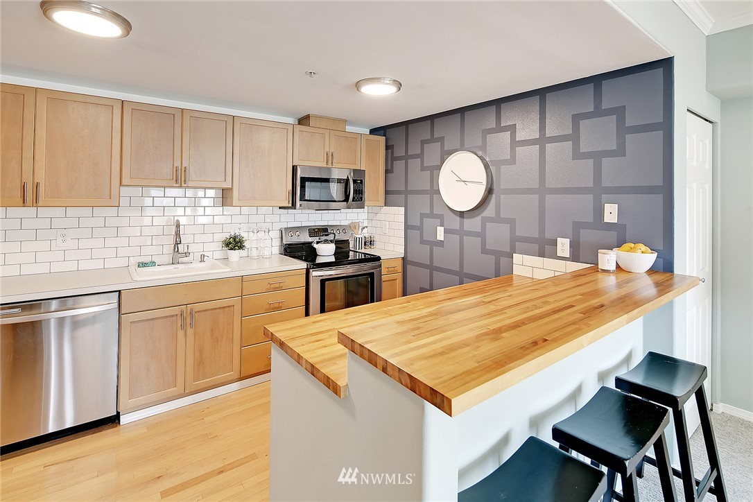 Sold Property   3221 SW Avalon Way #505 Seattle, WA 98126 6