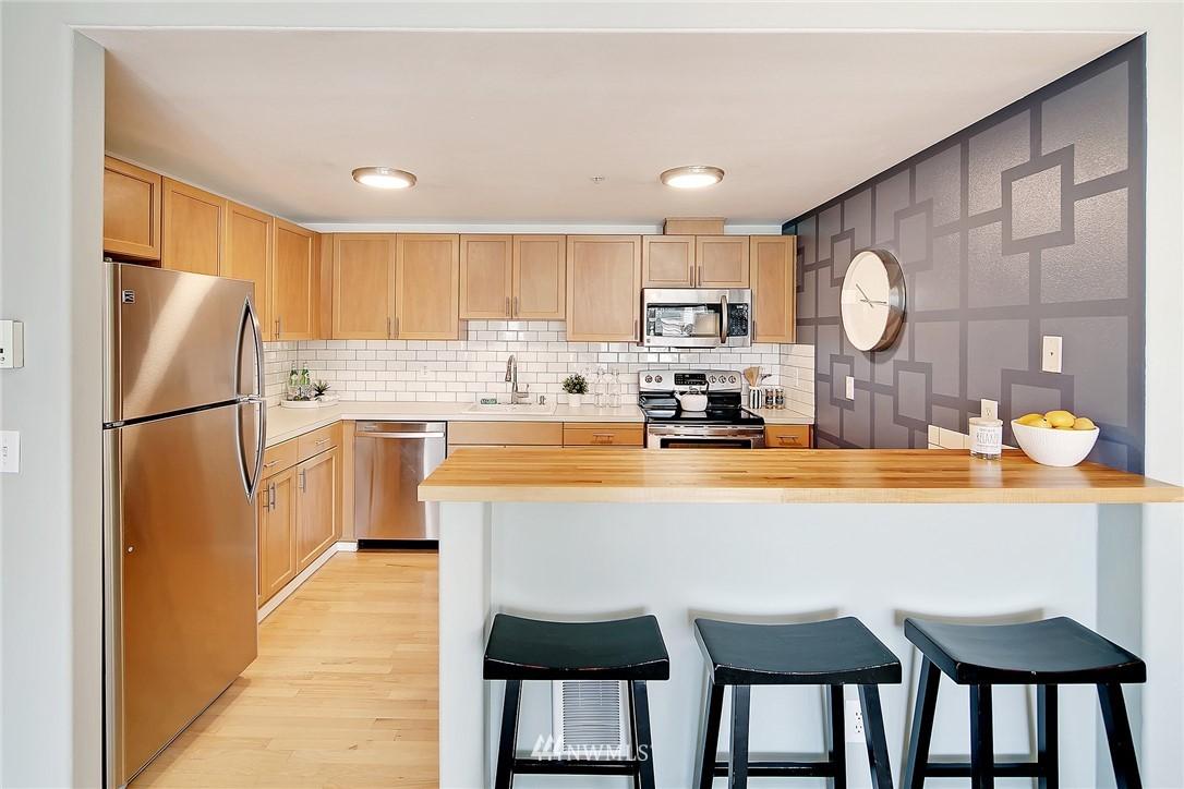 Sold Property   3221 SW Avalon Way #505 Seattle, WA 98126 7