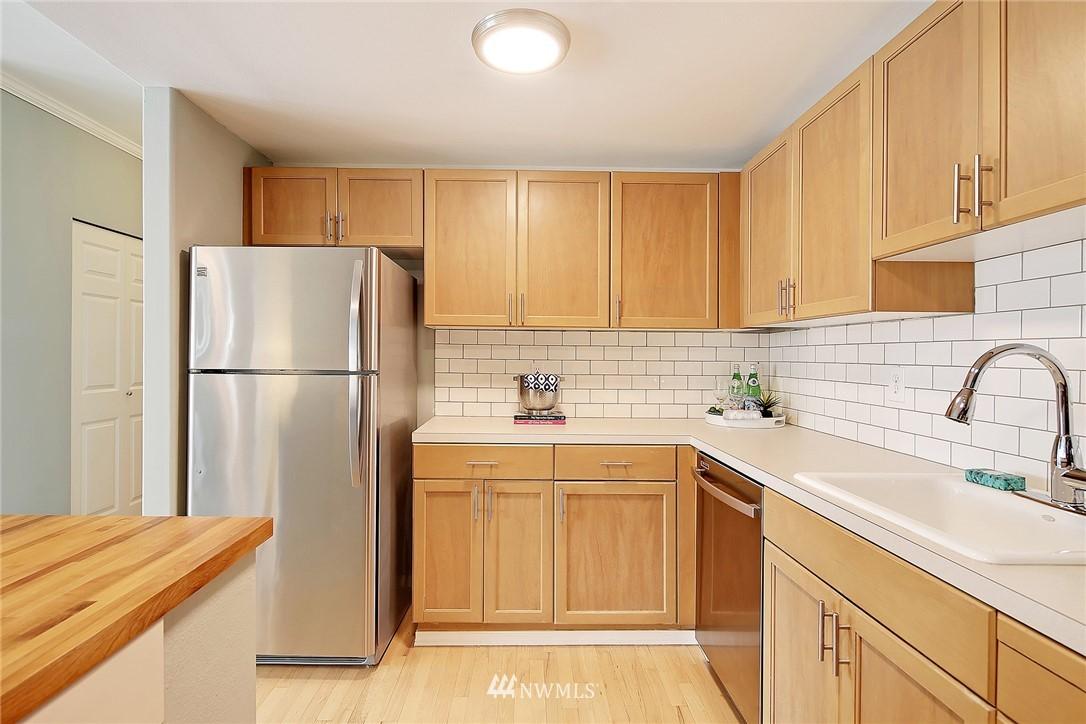 Sold Property   3221 SW Avalon Way #505 Seattle, WA 98126 8