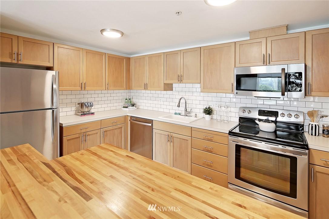 Sold Property   3221 SW Avalon Way #505 Seattle, WA 98126 9