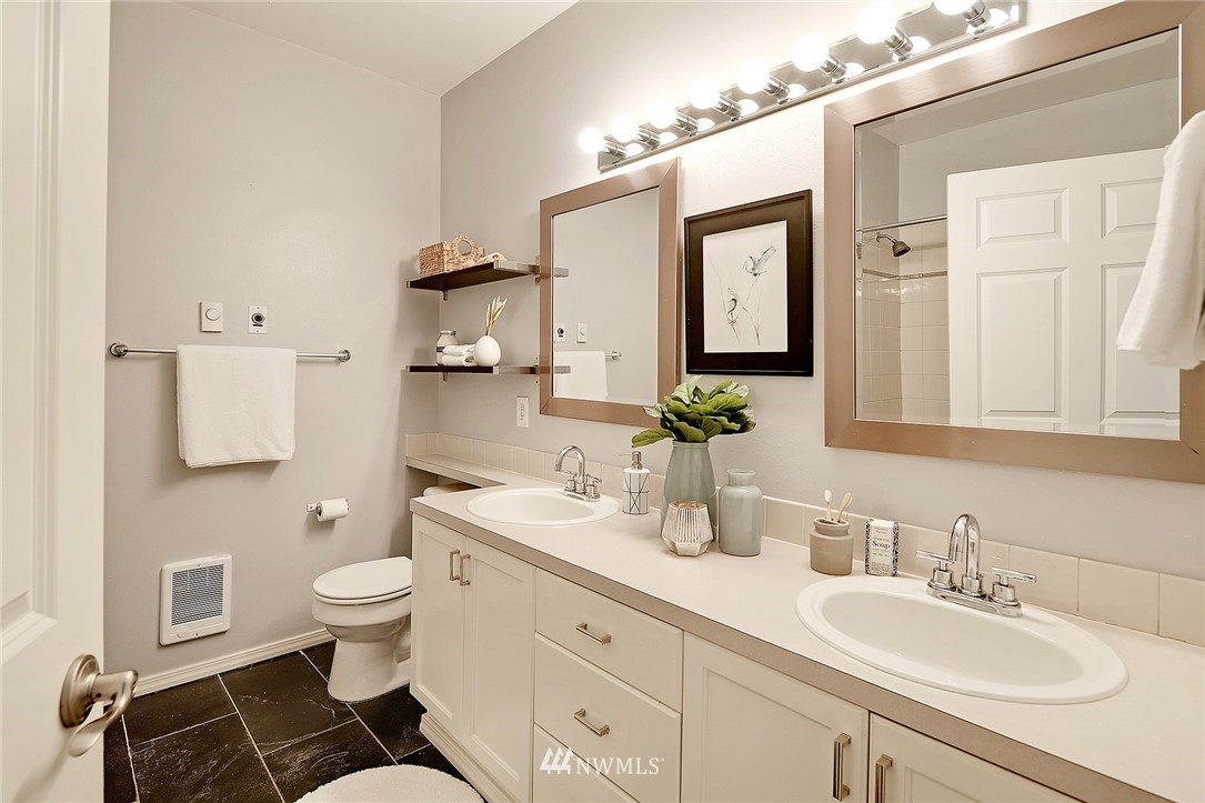 Sold Property   3221 SW Avalon Way #505 Seattle, WA 98126 10