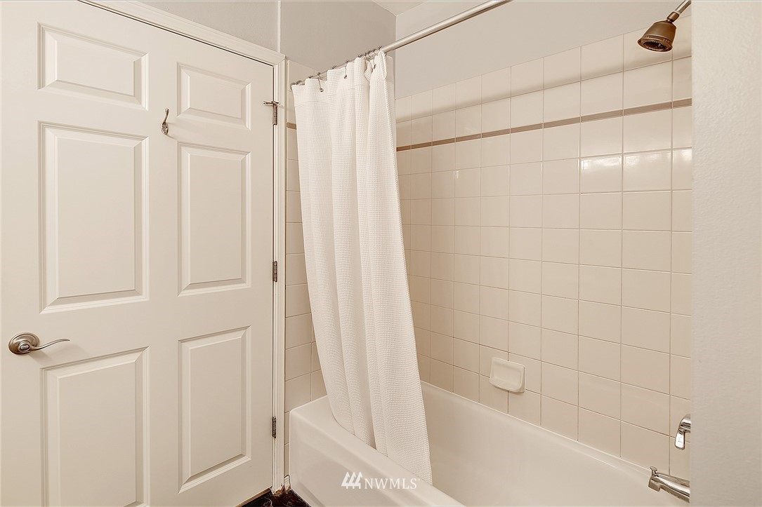 Sold Property   3221 SW Avalon Way #505 Seattle, WA 98126 11