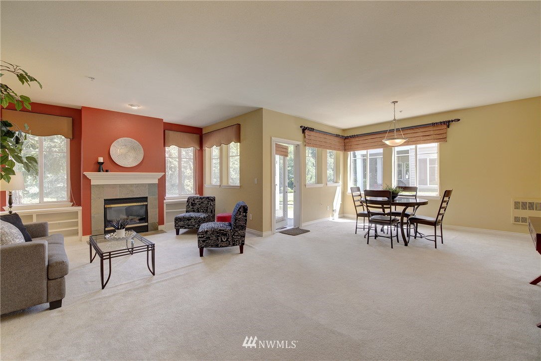 Sold Property | 17432 Bothell Way NE #B109 Bothell, WA 98011 3