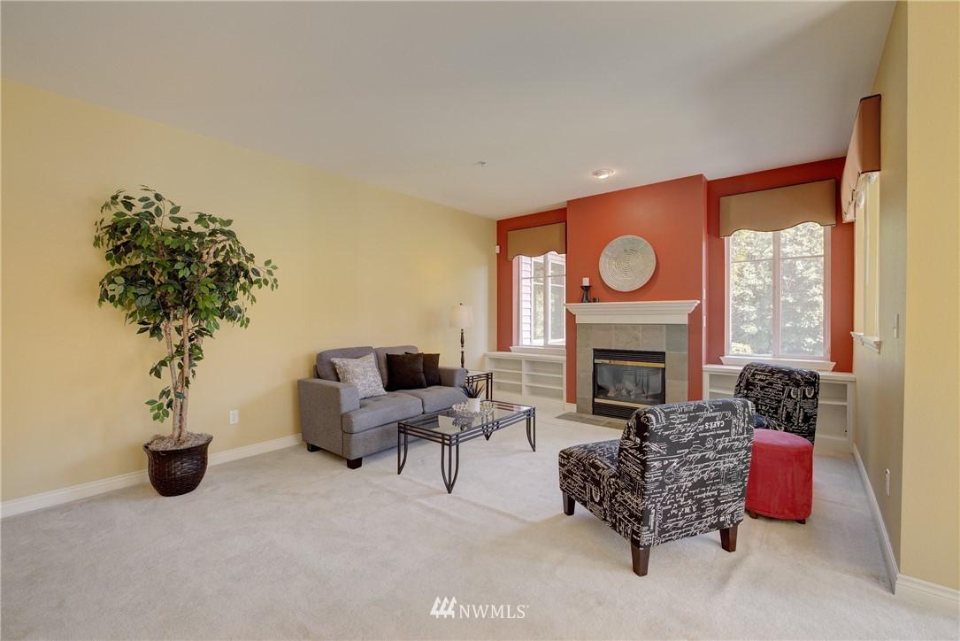 Sold Property | 17432 Bothell Way NE #B109 Bothell, WA 98011 5