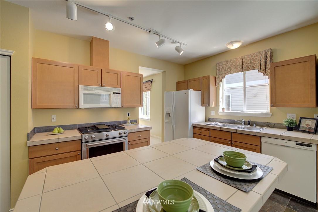 Sold Property | 17432 Bothell Way NE #B109 Bothell, WA 98011 8