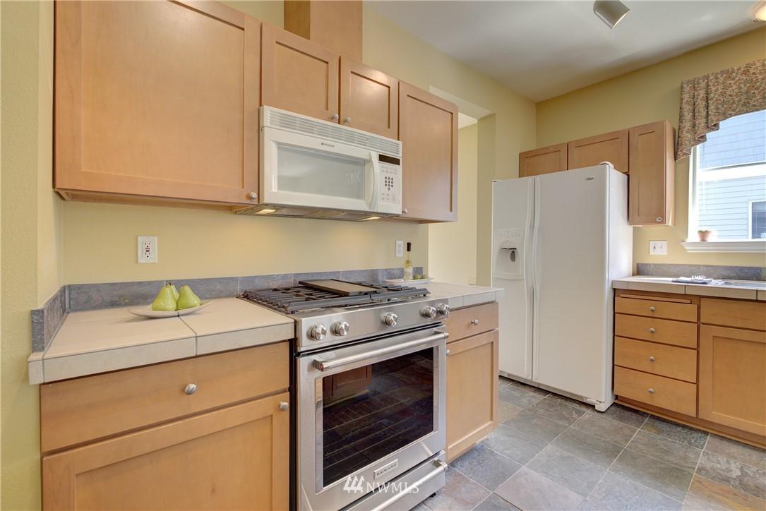 Sold Property | 17432 Bothell Way NE #B109 Bothell, WA 98011 9