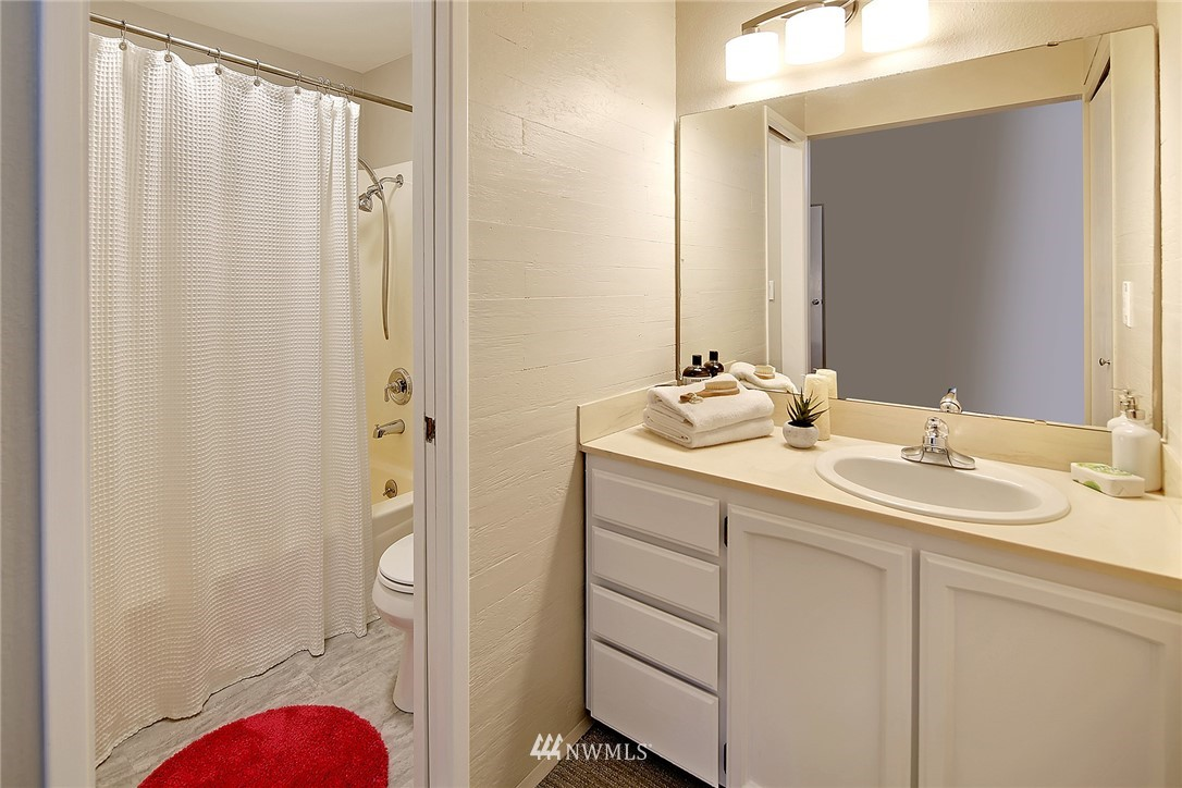 Sold Property | 2440 140th Avenue NE #37 Bellevue, WA 98005 15