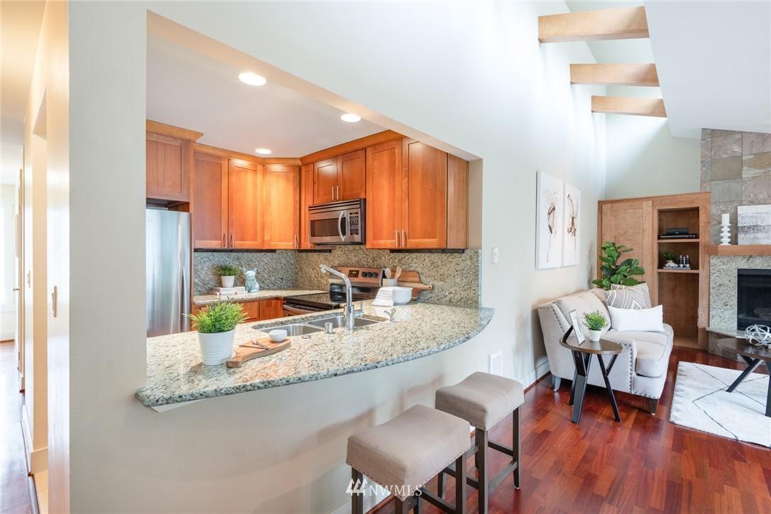 Sold Property | 15300 NE 15th Place #8 Bellevue, WA 98007 5