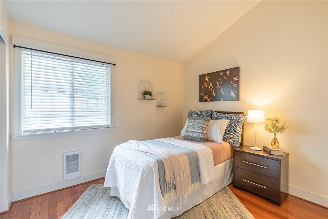 Sold Property | 15300 NE 15th Place #8 Bellevue, WA 98007 14