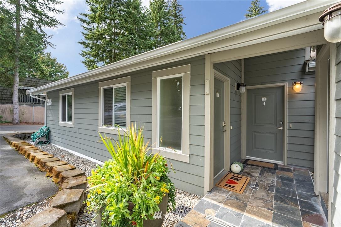 Sold Property | 15300 NE 15th Place #8 Bellevue, WA 98007 1