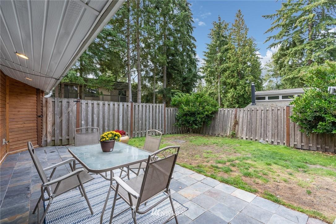 Sold Property | 15300 NE 15th Place #8 Bellevue, WA 98007 17