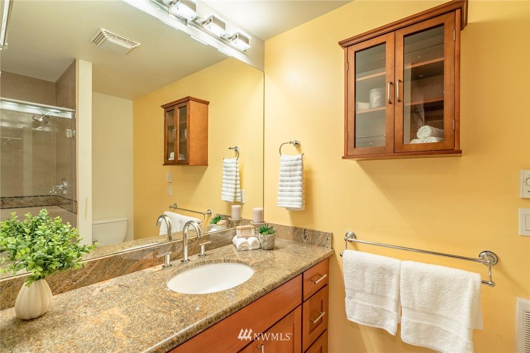 Sold Property | 15300 NE 15th Place #8 Bellevue, WA 98007 12