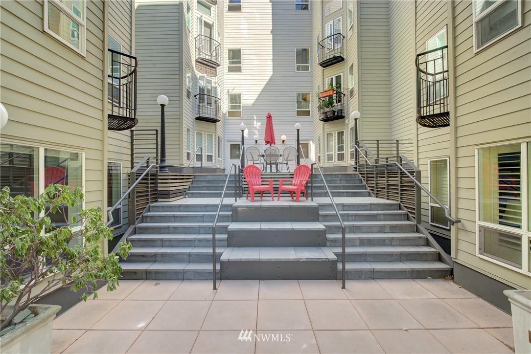 Sold Property | 3028 Western Avenue #315 Seattle, WA 98121 11