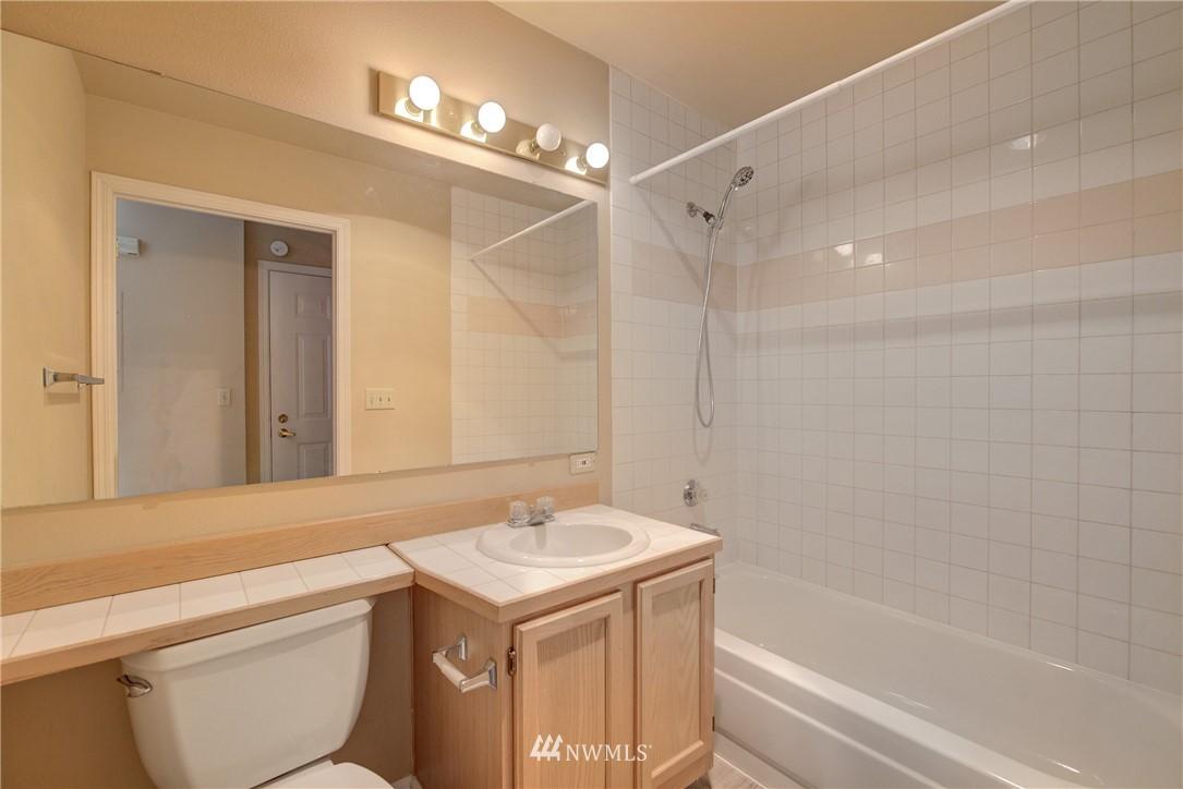 Sold Property | 3028 Western Avenue #315 Seattle, WA 98121 8