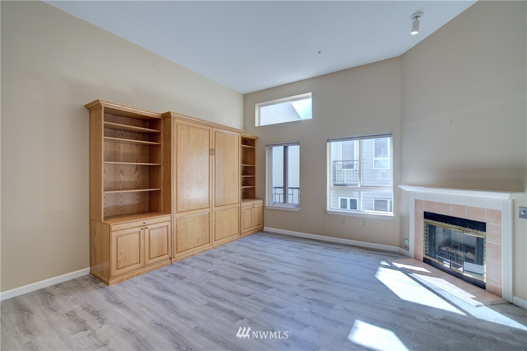 Sold Property | 3028 Western Avenue #315 Seattle, WA 98121 4