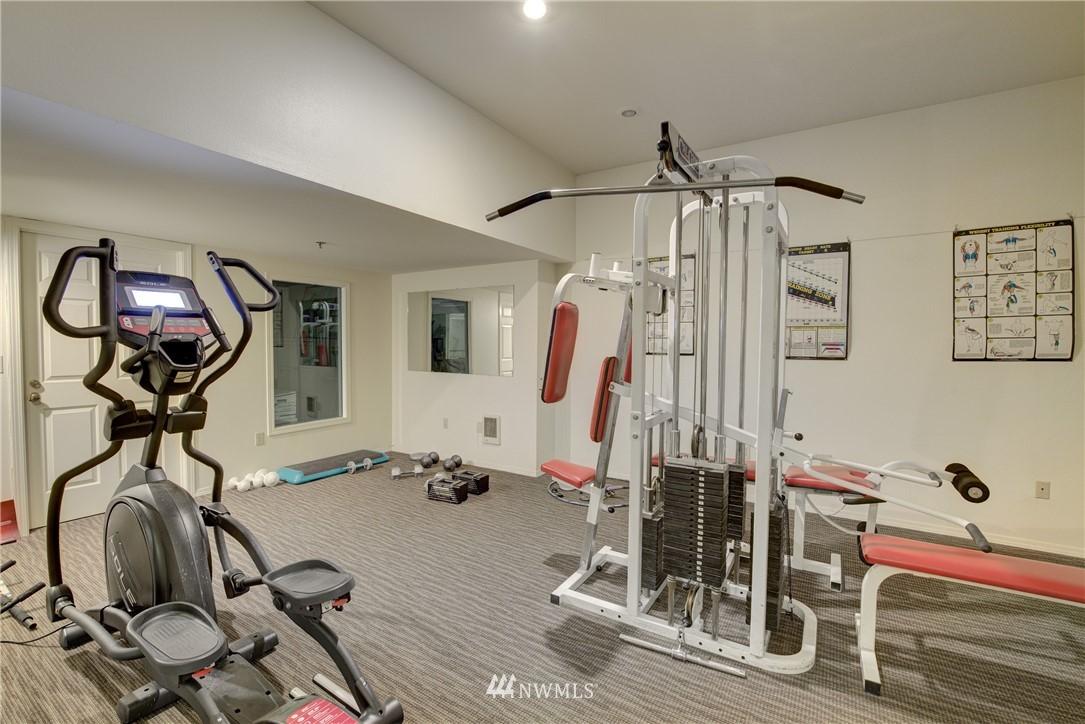 Sold Property | 3028 Western Avenue #315 Seattle, WA 98121 12