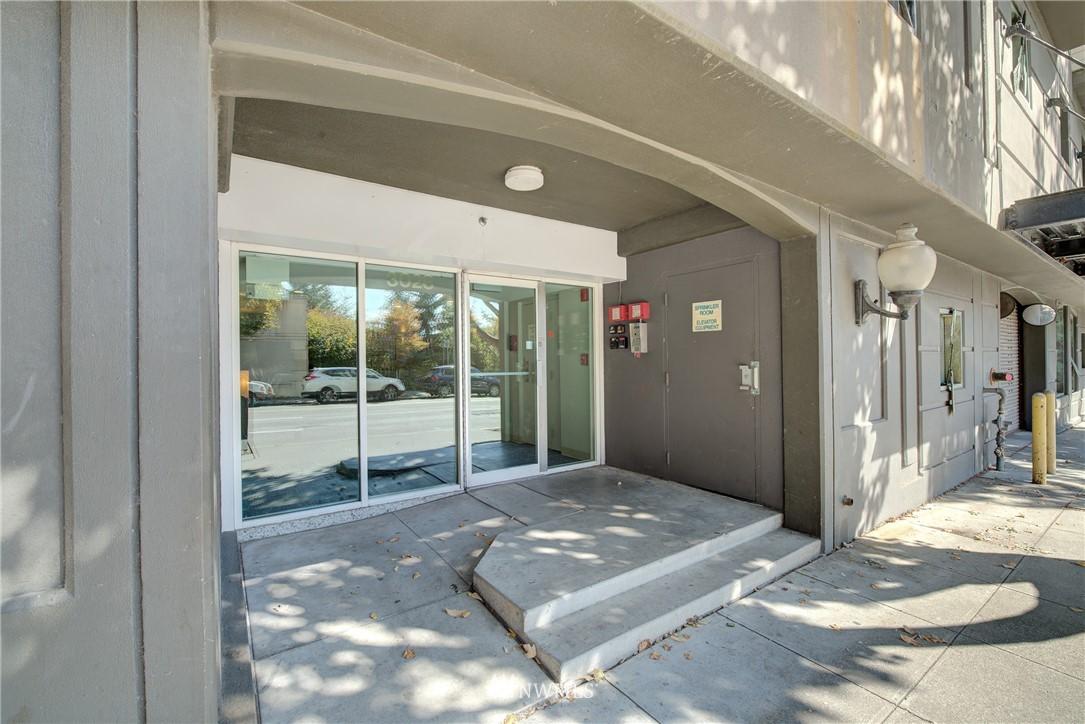 Sold Property | 3028 Western Avenue #315 Seattle, WA 98121 13