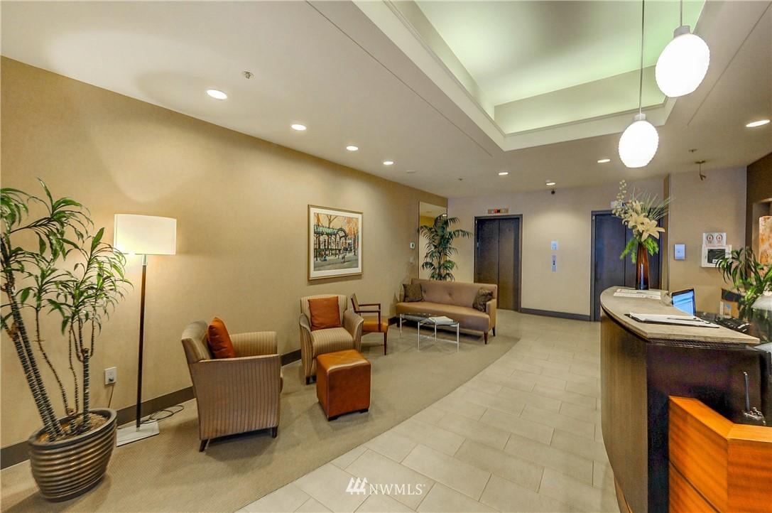 Sold Property   2821 2nd Avenue #2104 Seattle, WA 98121 23