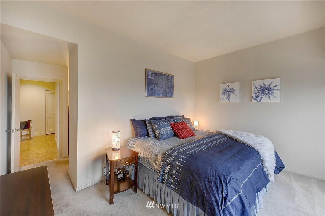 Sold Property   2821 2nd Avenue #2104 Seattle, WA 98121 18